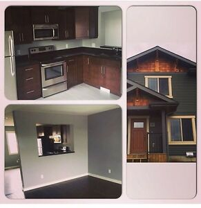 Short Term - Room for Rent AB Side New Townhouse