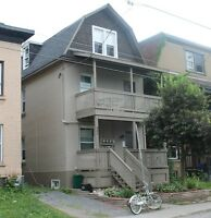 1 bed in the West Glebe, in-unit washer and dryer avail April 1