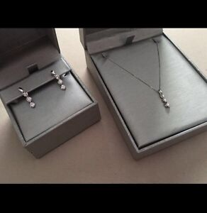 Certified Canadian Diamond Necklace and Earring set