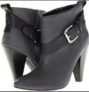 BLACK GUESS BOOTIES Oakville / Halton Region Toronto (GTA) image 1