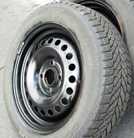 4 Roues + pneus d'hiver P205/55 R16 - Goodyear Ultra Grip Ice