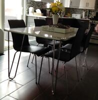 EQ3 dining/kitchen table with 4 chairs