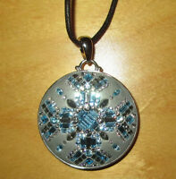 *NEW* Swarovski pendant with cotton necklace