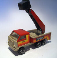 TONKA ------- Pressed Metal - Cherry Picker