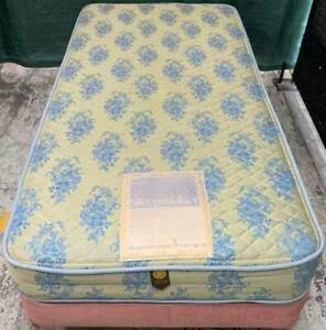 Good condition single bed mattress with single bed base for sale