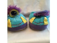 Stompie Slippers size 3-4