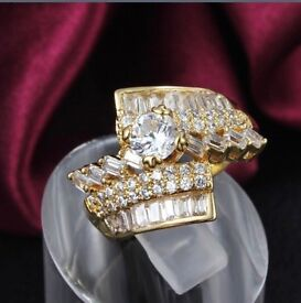 BEAUTIFUL CRYSTAL ZIRCON GOLD PLATED RING