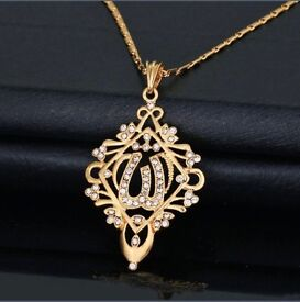 BRAND NEW 18K GOLD PLATED NECKLACE PENDANT