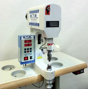 Machine à snap - Machine à oeillet - Machine à coudre