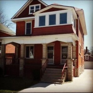 Beautiful Upper 2 bedroom Unit for Rent in Stratford