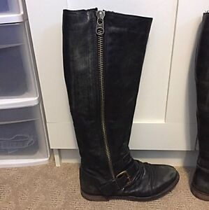 Steve Madden Distressed Black Leather Boots Size 6.5