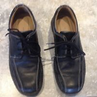 Men's leather dress shoes. Size 9