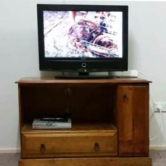 "Conia 26"" tv- with hills set top box"