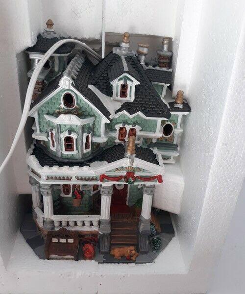 Lemax Christmas Village, Building Arthur's Manor