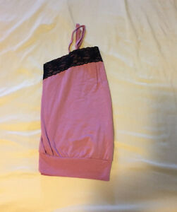 Pink tank top with black lace, size small/medium Windsor Region Ontario image 2