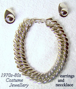 Vintage costume jewellery Necklace/ Earrings –heavy chain look,