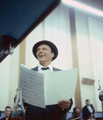Frank Sinatra UNSIGNED photograph - L3682 - In 1953 - NEW IMAGE!!!!