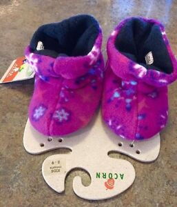 Little girls brand new with tags fleece slippers size 8-9 Kingston Kingston Area image 1
