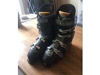 Men's Salomon ski boots size 11