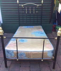 Excellent high back metal SINGLE BED frame+Mattress for sale Kingsbury Darebin Area Preview