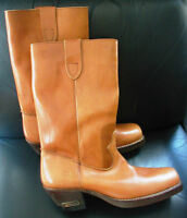 MENS TAN  LEATHER COWBOY BOOTS SIZE 10