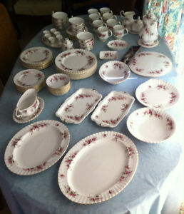 Royal Albert 'Lavender Rose' English Bone China Set
