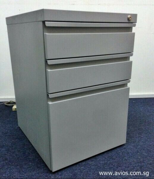 Metal Mobile Pedestal at Promotional Price for sale