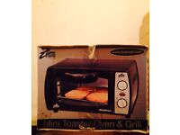 Mini Toaster Oven and Grill Boxed Good Condition Can Deliver