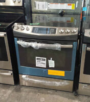 Stainless convection range / Cuisiniere en inox a convection