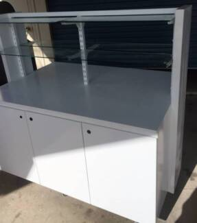 Shop Cabinet Retail displays On Wheels - Pop Up Shop, Shelves
