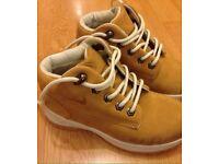 Boys infant shoes size 11 like new