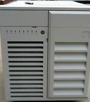 Chenbro server chassis/case, 15 drive bays, 8 LED's, unused