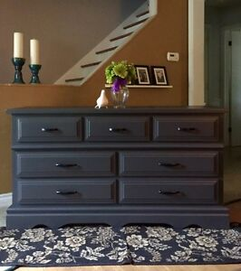 Rich Looking Dresser~Sideboard~Credenza~Tv Console.