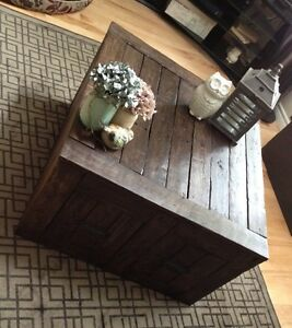Rustic Custom made coffee table with 2 drawers