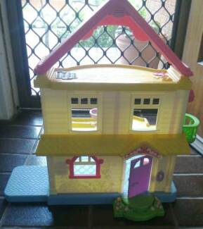 Fisher Price My First Dollhouse Small Dollhouse