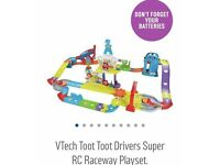 Toot toot driver - super RC raceway playset