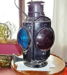 Vintage train caboose CNR swivel railroad kerosene lantern