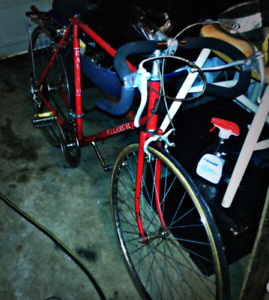 Vintage Raleigh road bike