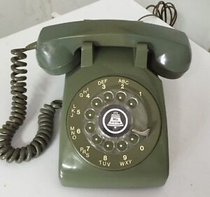 Many Different Vintage Telephones West Island Greater Montréal image 3