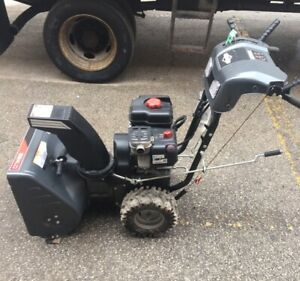 Briggs & Stratton gas snow blower