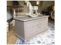 ANNIE SLOAN PAINTED SHABBY CHIC TOY BOX/BLANKET BOX