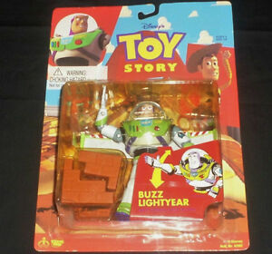 "BUZZ LIGHTYEAR With Karate Chop Action 5"" Tall Figure 1995Disney"