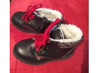 BOYS H&M WINTER BOOTS LACE UP SIDE ZIP SIZE 7