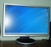 """Samsung SyncMaster 19"""" Widescreen LCD Monitor"""