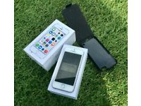 iPhone 5s 16gb on EE with original box and contents