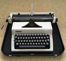 Robotron Erika Model 127 Typewriter