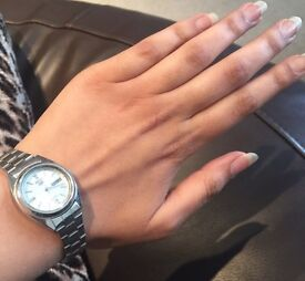 Ladies seiko silver watch used in good condition