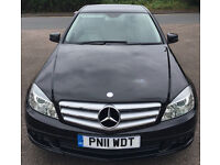 MERCEDES C200 - Fantastic Condition with Sat Nav