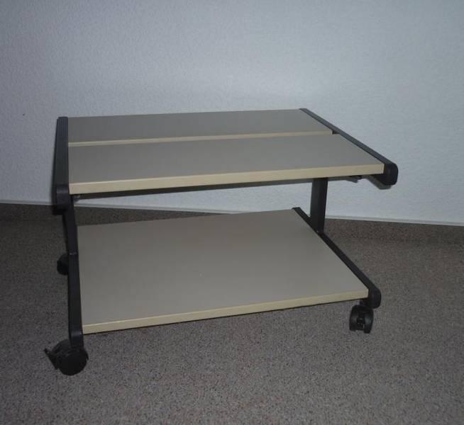 druckertisch auf rollen f r endlos papier in sachsen bautzen b rom bel gebraucht kaufen. Black Bedroom Furniture Sets. Home Design Ideas