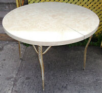 PETITE TABLE A CAFEE RONDE